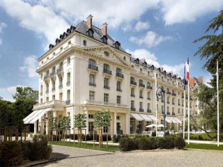 Urlaub Versailles im Waldorf Astoria Versailles - Trianon Palace