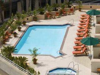 Urlaub Santa Monica im DoubleTree Suites by Hilton Hotel Santa Monica