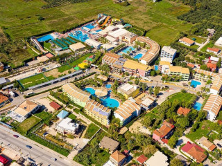 Urlaub Kalamaki im Caretta Beach Holiday Village & Hotel