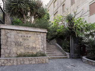 Taormina im Villa Esperia