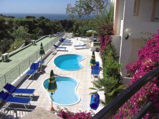 Urlaub Panza im Hotel Castiglione Village