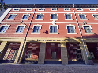 Pamplona im Pamplona Catedral Hotel