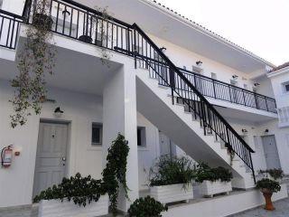Karavomilos im Hotel Athina