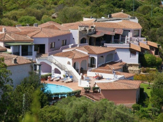 Baja Sardinia im Hotel Li Graniti