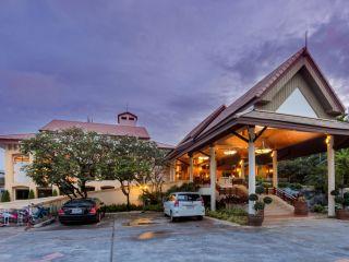 Patong im Thara Patong Beach Resort & Spa