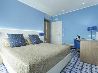 Urlaub Vietri sul Mare im Lloyd's Baia Hotel