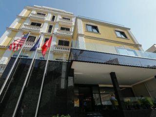 Tirana im Oxford Hotel