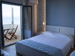 Urlaub Acharavi im Cressida Seaside Apartments