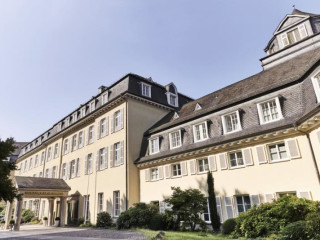 Urlaub Königswinter im Steigenberger Grandhotel Petersberg