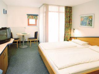 Urlaub Neukirchen beim Heiligen Blut im Donna Hotel Klosterhof