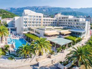 Becici im Hotel Mediteran