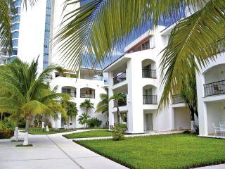 Cancún im BeachScape Kin Ha Villas & Suites