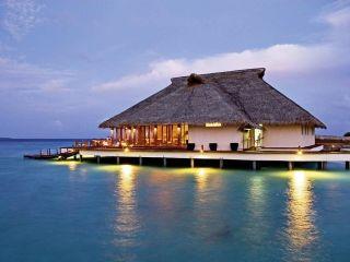 Urlaub Meedhupparu im Adaaran Prestige Water Villas