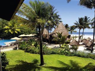 Galu Beach im Pinewood Beach Resort & Spa
