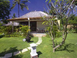 Kubu im Siddhartha Ocean Front Resort & Spa