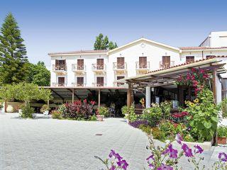 Karavados im Karavados Beach Hotel
