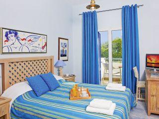 Kamari im Alesahne Beach Hotel