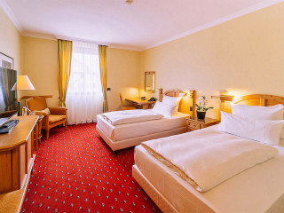 Urlaub Schwaig im Grand Excelsior Hotel München Airport