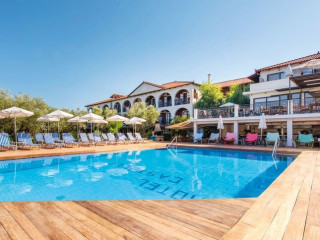 Urlaub Agios Sostis im Castelli Hotel