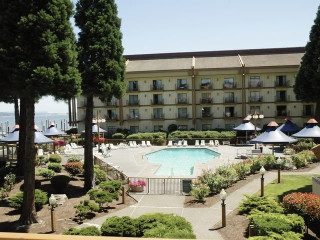 Urlaub Portland im Red Lion Hotel on the River Jantzen Beach