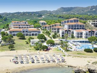 Urlaub Vasilikos im The Bay Hotel & Suites
