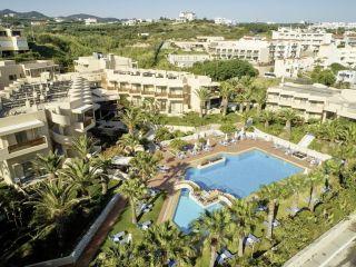 Agia Marina im Santa Marina Beach Hotel