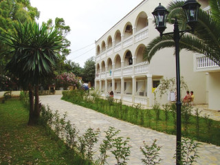 Urlaub Roda im Angela Beach Corfu Hotel & Apartments