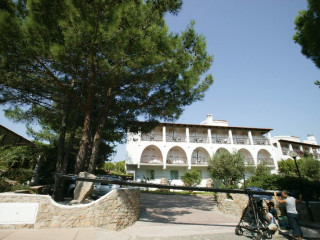 Urlaub Baja Sardinia im Club Hotel Cormorano