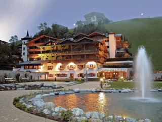 Hintertux im Hotel Berghof Crystal Spa & Sports