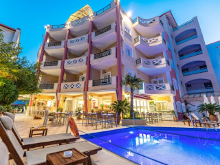 Urlaub Nei Pori im Evdion Hotel