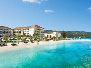 Montego Bay im Secrets Wild Orchid Montego Bay by AMR Collection