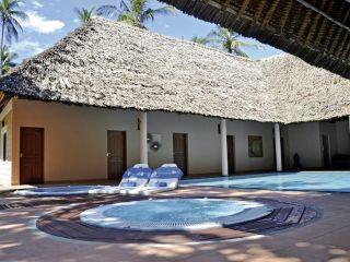 Urlaub Galu Beach im Neptune Village Beach Resort & Spa