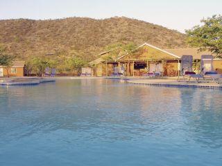 Khorixas im Damara Mopane Lodge
