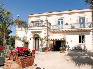 Urlaub Fanusa im Charme Hotel Villa Principe di Fitalia