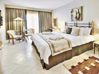 Urlaub San Giljan im Marina Hotel Corinthia Beach Resort