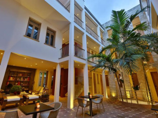 Urlaub Santo Domingo im Billini Hotel
