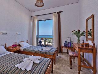 Urlaub Kato Stalos im Hotel Koukouras & Lia Apartments