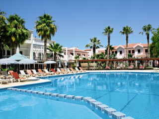 Urlaub Lapta im LA Hotel & Resort