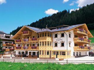 Urlaub Sarntal im Almhotel Bergerhof