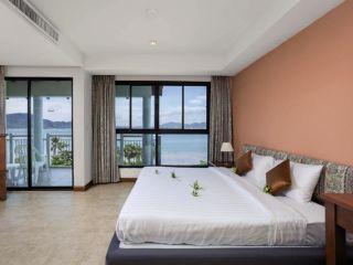 Urlaub Ko Phuket im By The Sea Phuket Beach Resort