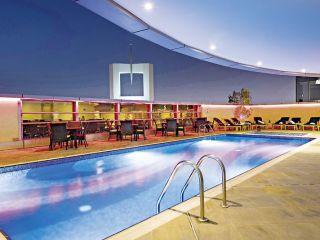 Dubai im Emirates Grand Hotel