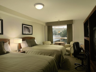 Urlaub Calgary im Sandman Hotel & Suites Calgary West