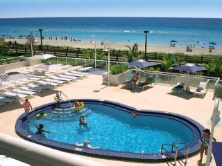 Miami Beach im Best Western Plus Atlantic Beach Resort