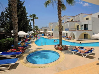 Urlaub Ayia Napa im Petrosana Hotel Apts