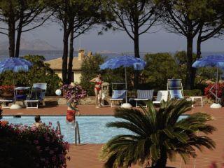 Baja Sardinia im Club Hotel Cormorano