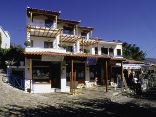 Kambos (Marathokambos) im Votsalakia Hotel