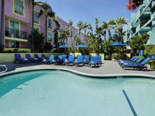Urlaub West Hollywood im Ramada Plaza by Wyndham West Hollywood Hotel & Suites