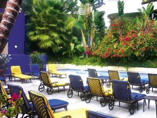 Urlaub West Hollywood im Ramada Plaza by Wyndham West Hollywood Hotel & Suites