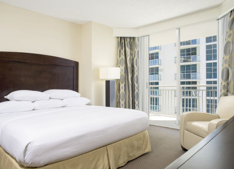 Hotelzimmer mit Sandstrand im DoubleTree Ocean Point Resort & Spa