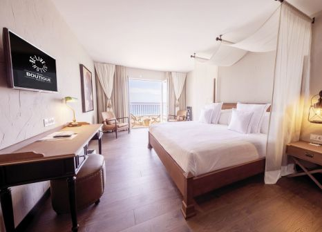 Hotelzimmer mit Mountainbike im Be Live Adults Only La Cala Boutique